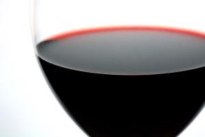 "<img src=""image.gif"" alt=""red wine"" />"